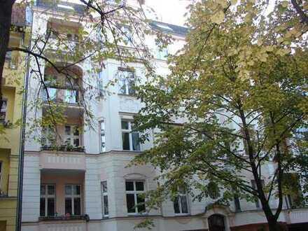 4-Zimmer-Jugendstilaltbau nahe Schlossstraße und Rathaus Steglitz