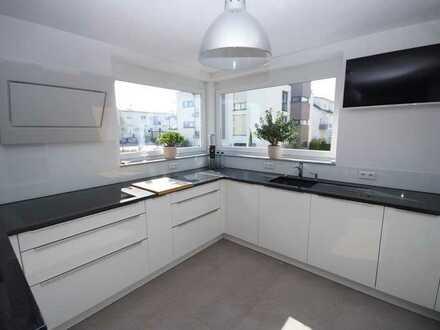 Neuwertige Eigentumswohnung in Hausgröße in einer guten Lage zu verkaufen!