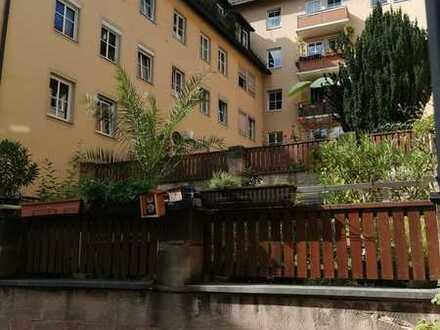 Ruhige 2,5-Zimmer-Wohnung mit Balkon und EBK in Nürnberg
