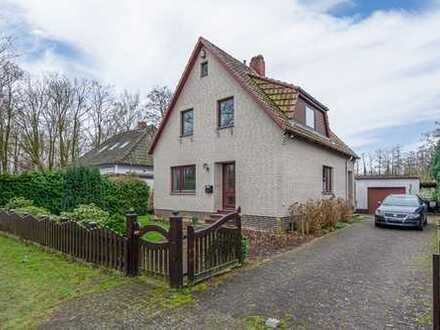 ***Lilienthal, Freistehendes Haus auf einem traumhaft großen Grundstück in sehr beliebter Gegend.
