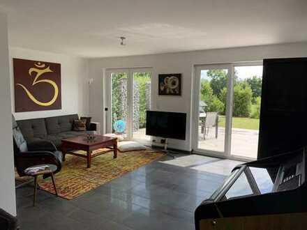 Moderne Traum-Doppelhaushälfte mit fünf Zimmern und Garten in Lauffen am Neckar (Kreis Heilbronn)
