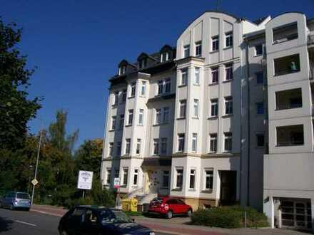 Attraktive großzügige 4-Raum-Wohnung mit Balkon - auch für eine WG geeignet - in Uni-Nähe !!!