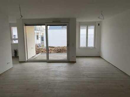 Erstbezug: attraktive 2-Zimmer-Erdgeschosswohnung mit Einbauküche und Terrasse in Erligheim