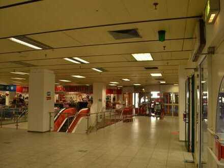 Ladenfläche in der Verlängerung der Fussgängerzone