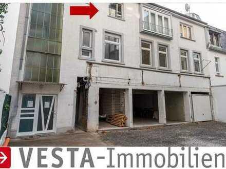 BEST OF BORNHEIM: Gemütliche 2-Zimmer Wohnung im 2.OG des Hinterhauses