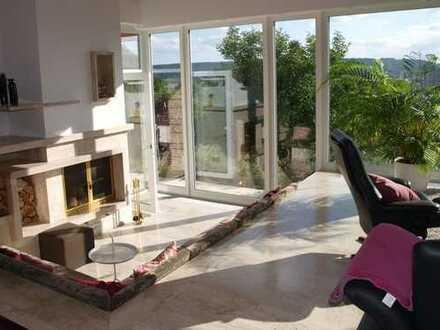 Moderne, einzigartige und großzügige, exklusive Villa mit Panoramablick in bester Lage von Leonberg
