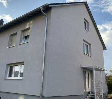 Schöne Doppelhaushälfte mit fünf Zimmern in Philippsburg