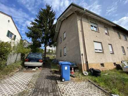 Sanierungsbedürftige Doppelhaushälfte in Landstuhl- Atzel