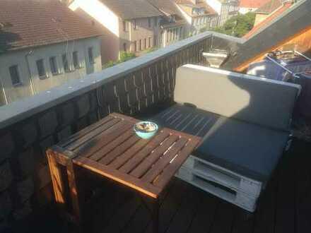 Top 4-Zimmer-Maisonette-Wohnung mit Dachterrasse und EBK