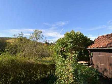 Gepflegtes, sonnenverwöhntes Gartengrundstück mit tollem Ausblick von der Terrasse