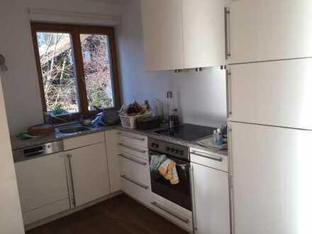 Sehr schöne 3-Zimmer-Maisonette-Wohnung mit Balkon und Einbauküche in Münsing