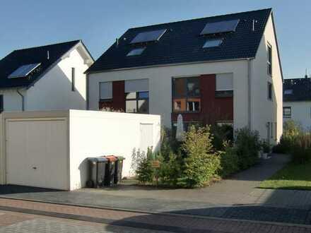 Großzügige Doppelhaushälfte in Aachen-Brand