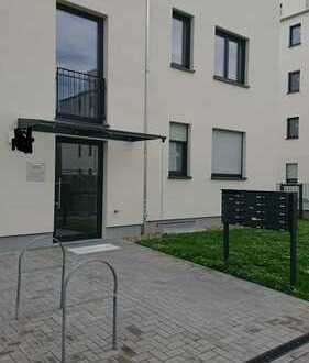 Helle 3 Zimmer Dachgeschosswohnung mit Terrasse, Erstbezug