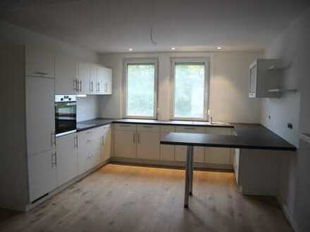 Erstbezug nach Sanierung: 3,5-Zimmer-Wohnung EG mit Einbauküche und Terrasse in Heilbronn-Horkheim