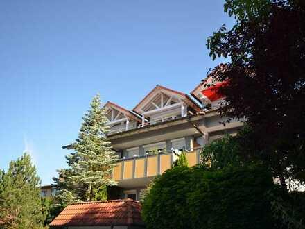 Außergewöhnliche 3 Zimmer Designer Wohnung mit 2 Balkonen und TG Stellplatz in absoluter Traumlage !