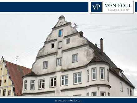 TOP Lage und Denkmalschutz-AfA möglich: Wohn- und Geschäftshaus mit großem Potential