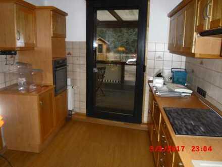 Günstige, geräumige und gepflegte 3-Zimmer-Wohnung mit Balkon und EBK in Altena