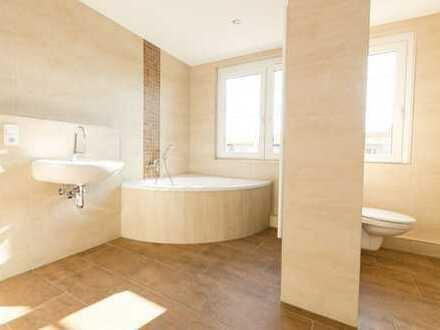 Sonnige Etagenwohnung mit Wellness-Bad und großer abgeschlossener Tageslichtküche