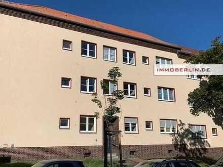 IMMOBERLIN: Ersteinzug nach Sanierung! Attraktive Wohnung mit PKW-Stellplatz in gefragter Lage