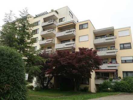 Gelegenheit! Schöne 4,5 Zi. Wohnung, großer Balkon, TG, in ruhiger gefragter Lage von Altbach