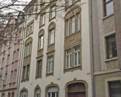 Altbau 2-Zimmer-Wohnung in Offenbach am Main