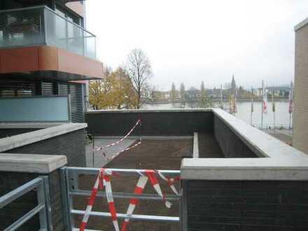 Traumwohnung mit großer Terrasse direkt am Rhein