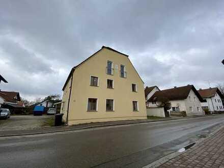 Großzügiges Haus mit neun Zimmern zur Nutzung als Beherbergungsstätte in Langenpreising