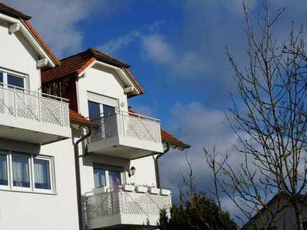 Gepflegte, helle 2-Zimmer-Dachgeschosswohnung mit Balkon in Hildburghausen