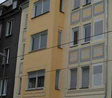 80 qm- Wohnung mit Gründerzeit-Fassade am Borsigplatz