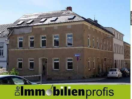 Stark sanierungsbedürftiges Stadthaus mit Potential in Oelsnitz im Vogtland
