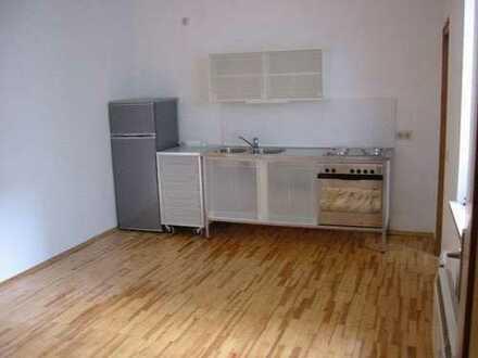 Schöne 2-Zimmer-Wohnung mit Balkon und EBK in Ingolstadt Altstadt Nähe THI/ WFI