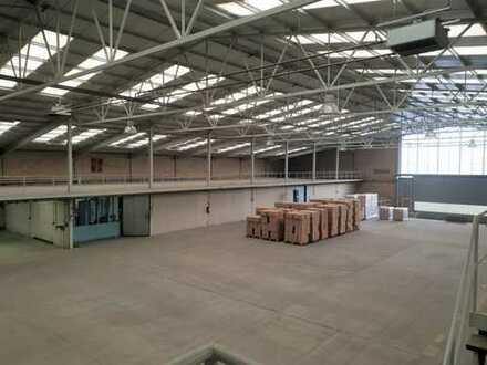 Große Hallen- und Büroflächen mit perfekter Anbindung zur BAB 7 - Teilvermietung möglich!
