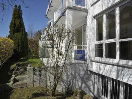 Fantastisch gelegene drei Zimmer Wohnung mit Terrasse und Garten in Bad Homburg-Dornholzhausen