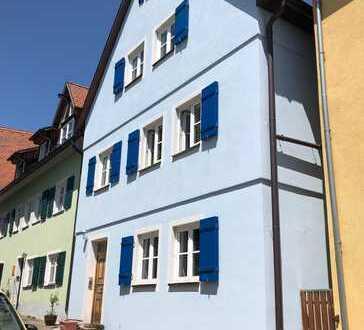 Gepflegte, ca. 45qm große, 2 Zimmer ETW (1.OG) in Feuchtwangen Altstadt zu vermieten!