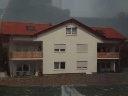 2 1/2 Zimmer-Wohnung mit Balkon