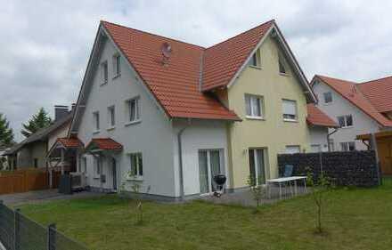 Schöne 6 Zimmer KfW-55-DHH in Bielefeld, Ubbedissen