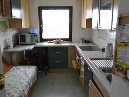 Möbliertes 16qm-Zimmer mit Balkon - Bitte NUR als Zweitwohnsitz