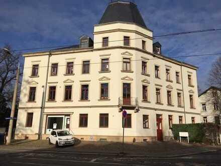 Helle, gemütliche Dachgeschosswohnung, 2-Zimmer in Blasewitz ab sofort verfügbar!