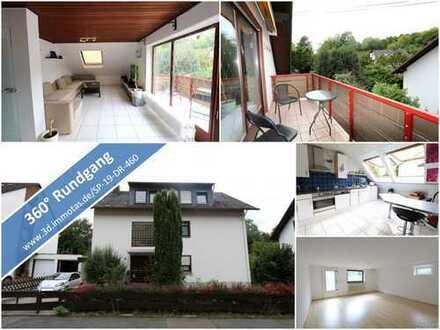 Gepflegte Dachgeschosswohnung mit drei Zimmern und Balkon sowie großem Hobbyraum