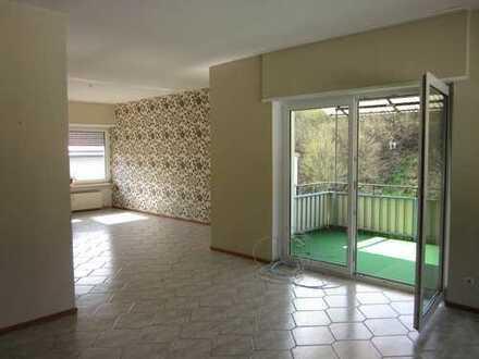 Helle 4-Zimmer Wohnung mit Balkon in Leidersbach OT Roßbach zu vermieten