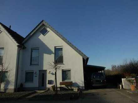 Junge Doppelhaushälfte in Dreierwalde