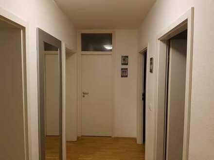 Möbliert: 3 Zi. Wohnung in Westend - Toplage