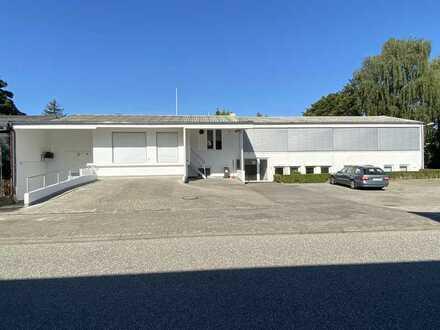 Helle und freundliche Büro-Räume, optional mit Lager und Stellplätzen in Altenholz