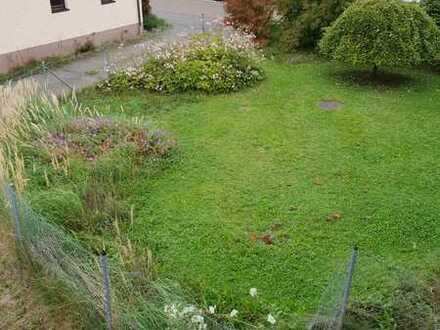 Gepflegte 2,5 Zimmer Maisonette-Wohnung mit Balkon und EBK in Altensteig