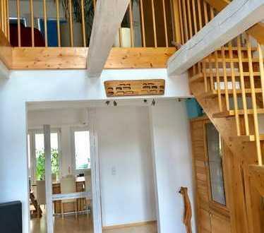 Schöne, helle fünf Zimmer-Maisonette-Wohnung in Esslingen a.N.