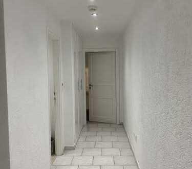 Attraktive 2 Zimmer Wohnung möbliert.