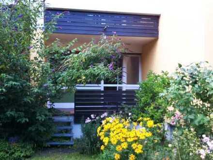 Ansprechende 2-Zimmer-EG-Wohnung mit EBK und Balkon in Bogenhausen, München