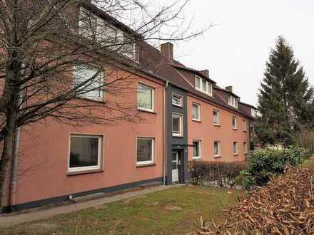 Zu vermieten: Renovierte Drei-Zimmer-Wohnung in grüner und ruhiger Lage