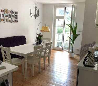 Komplett Sanierte 3-Zimmerwohnung mit Balkon zum sonnigen Innenhof