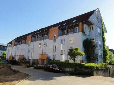 Helle, ruhige, 3 ZKB – Maisonettewohnung, auf 2 Ebenen, mit 2 Balkonen und TG